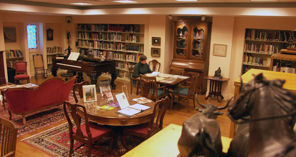 Libraries With Local History Rooms In Dutchess County